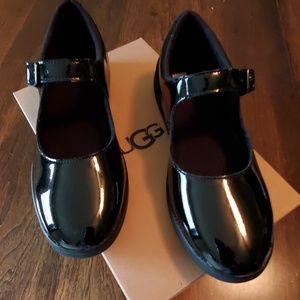 Ugg Black Patent girls Dorothea Shoes NIB